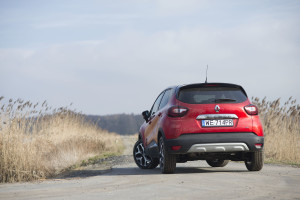2018-renault-captur-test-12
