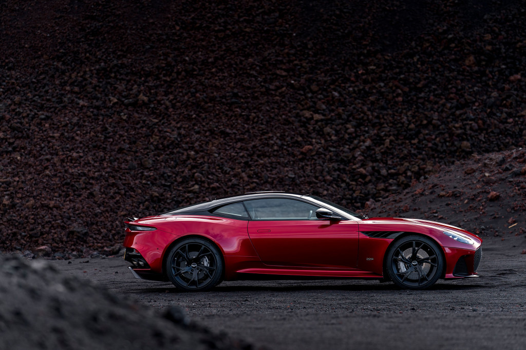 DBS-Superleggera-4