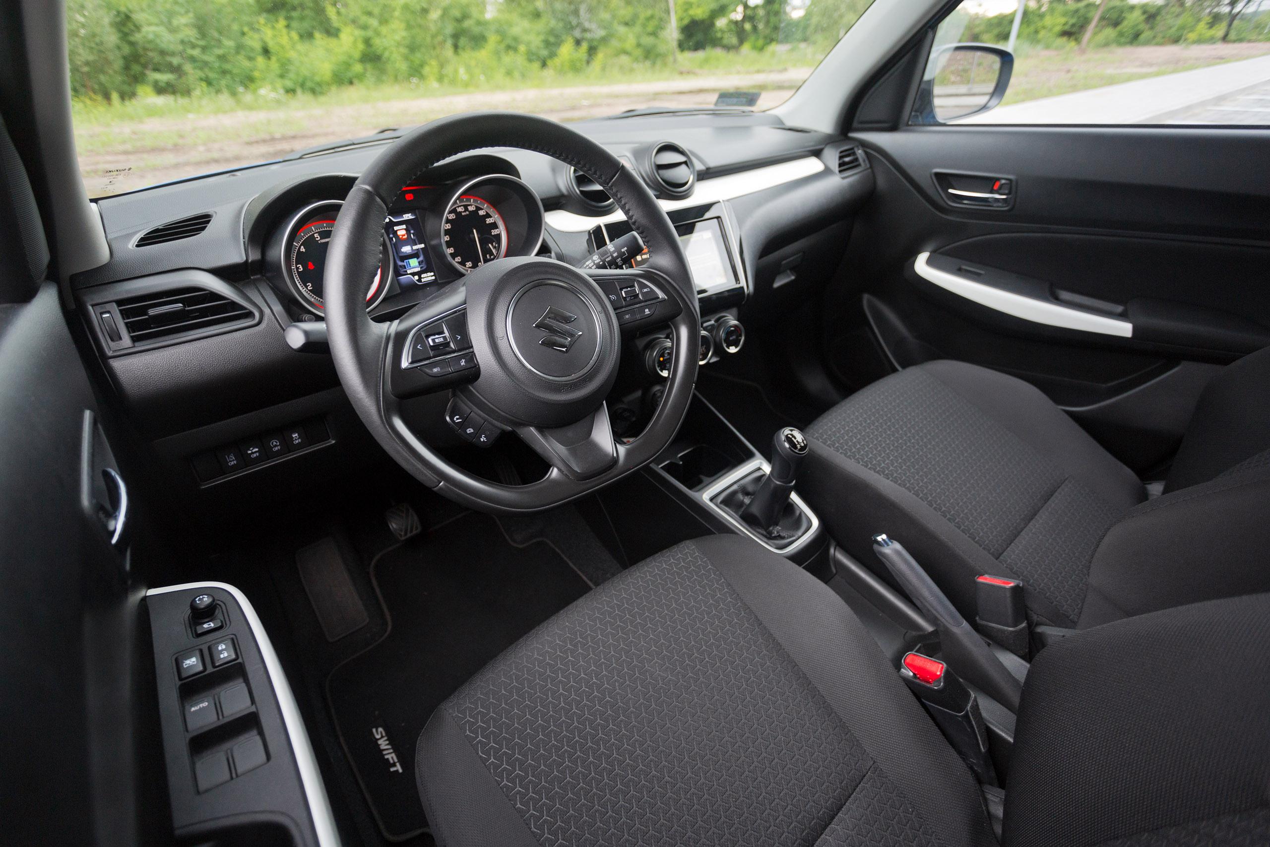 suzuki swift hybrid 1 2 dualjet shvs elegance test project automotive. Black Bedroom Furniture Sets. Home Design Ideas
